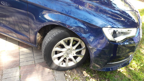 The other car - barely damaged!